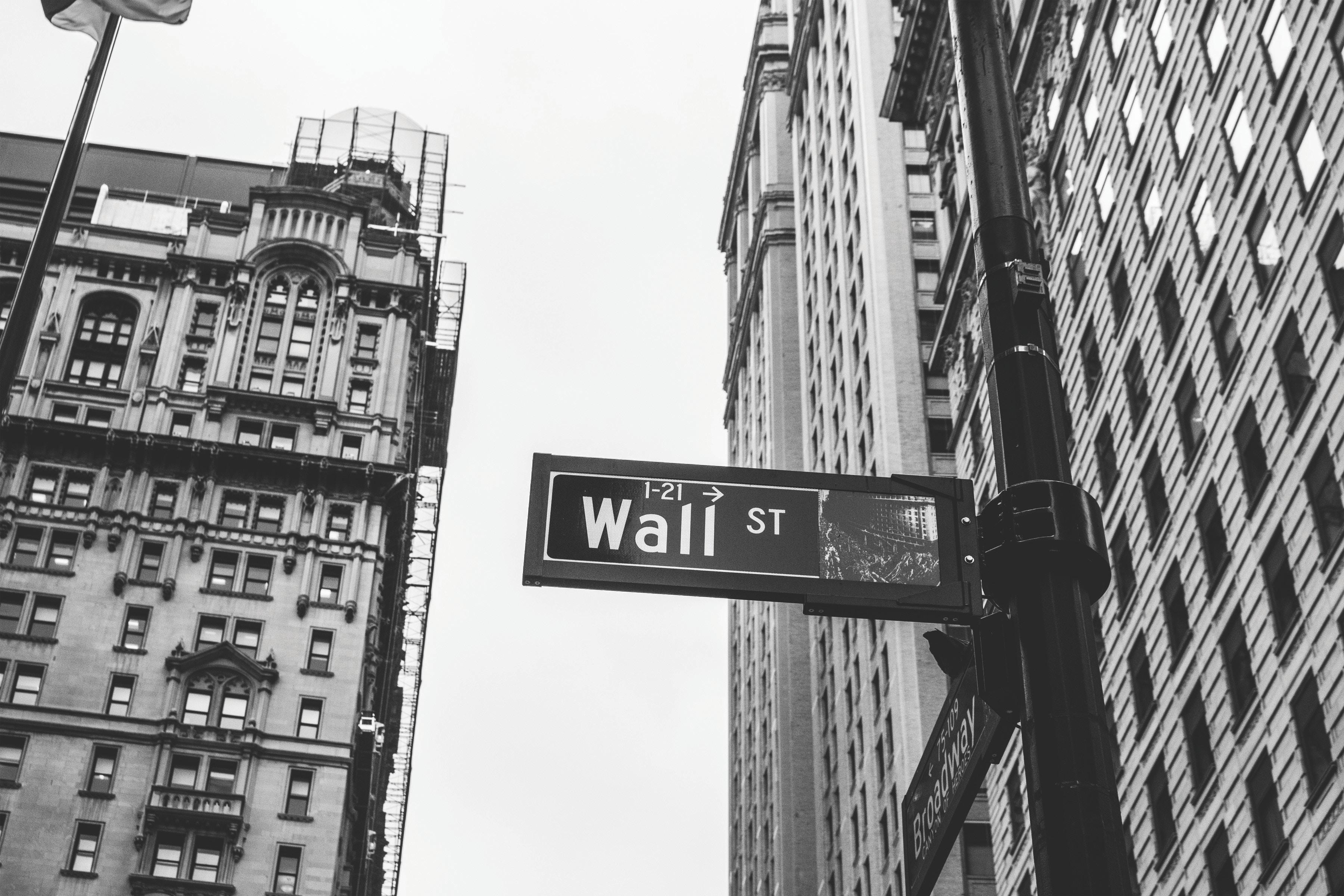 【手堅い投資】投資信託とは?失敗しない商品の特徴と選び方のポイント/初心者向け