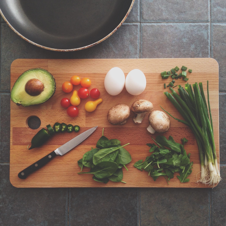 マンネリになりがちな献立を解消!|毎日の食事を考えないでつくるコツ