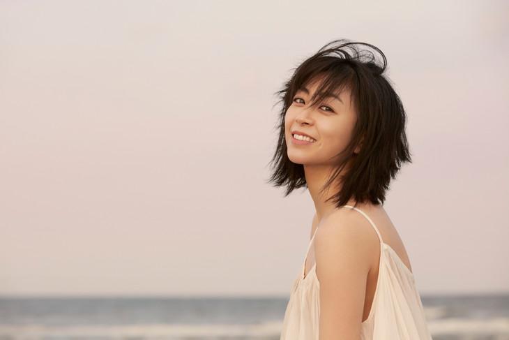 宇多田ヒカル「初恋」レビュー|普遍的な物語はフィクションでありノンフィクション